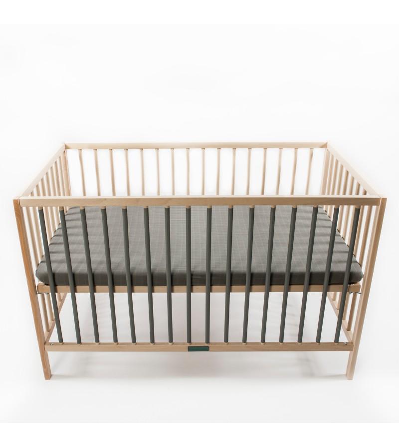 Lit a barreau pour bebe pratique minimaliste et robuste for Lit a barreaux