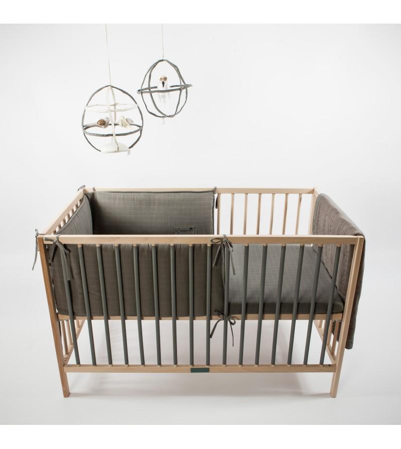 lit a barreau pour bebe pratique minimaliste et robuste la langerie. Black Bedroom Furniture Sets. Home Design Ideas