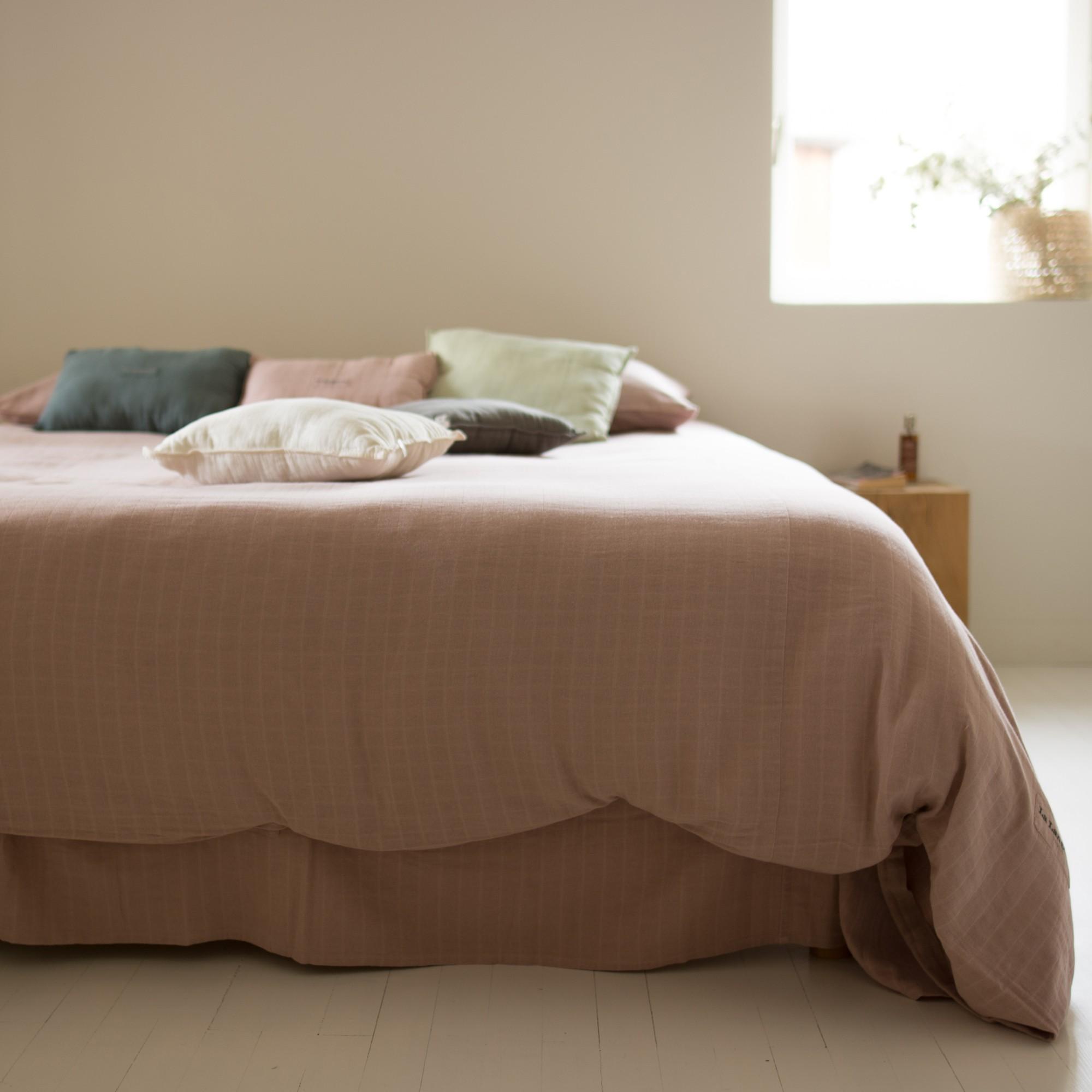 enveloppe de couette good h je positionne une autre housse lenvers sur les tissus pour men. Black Bedroom Furniture Sets. Home Design Ideas